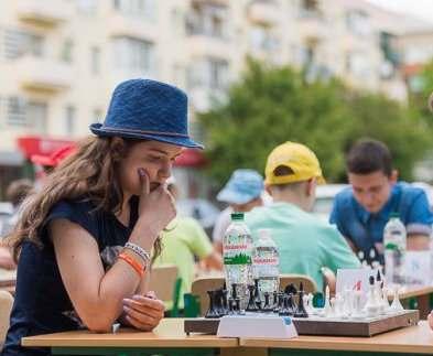 В День защиты детей в Харькове прошел турнир по шахматам