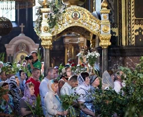 Православные отмечают Троицу: что нужно знать о празднике