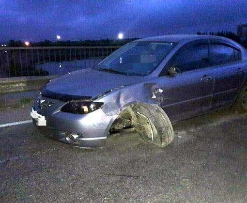 В Харькове пьяный угонщик разбил чужую машину