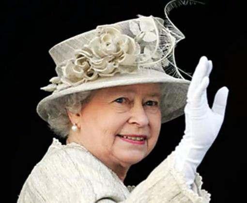 Королева Британии отложила старинную церемонию
