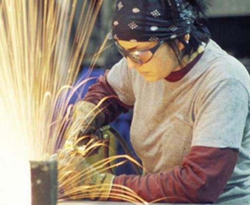 Украинским женщинам разрешат работать в тяжелых и опасных условиях