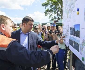 Глава украинского кабмина обещает самолично проверить трассу Киев – Харьков