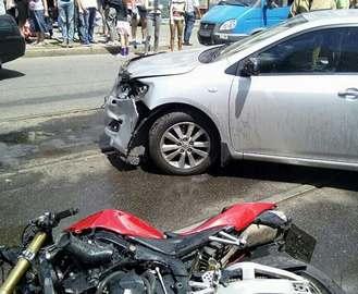 На Полтавском шляхе Toyota сбила мотоциклиста: фото-факты