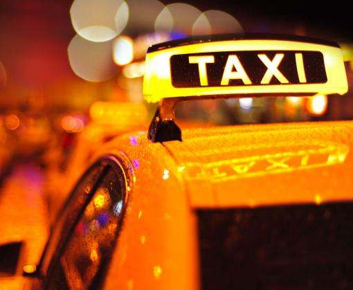 Легальные такси будут ездить с желтыми номерами