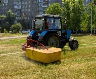 В Харькове «наводят марафет» во дворах