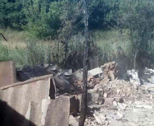 В Харьковской области сожгли два заброшенных дома