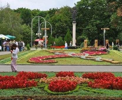 Как продвигается реконструкция сада Шевченко