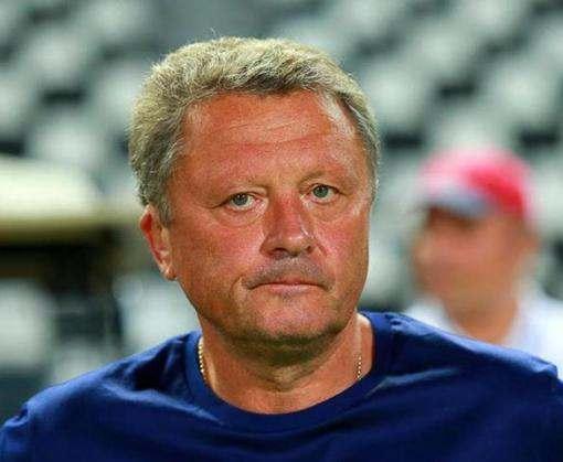 Мирон Маркевич пришел на футбол на костылях