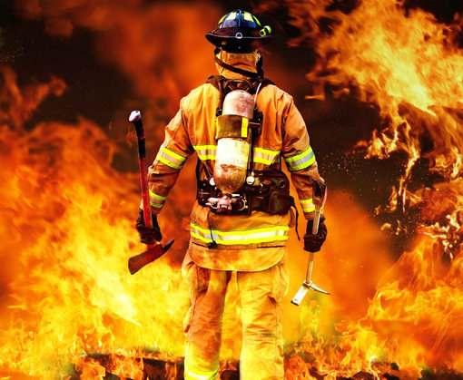 Пожар на Харьковщине: двоих удалось спасти