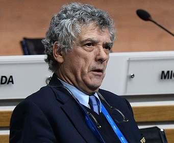Высокопоставленного чиновника ФИФА низко посадили