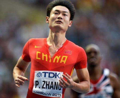 Китайский легкоатлет пробежал дистанцию быстрее истребителя: видео