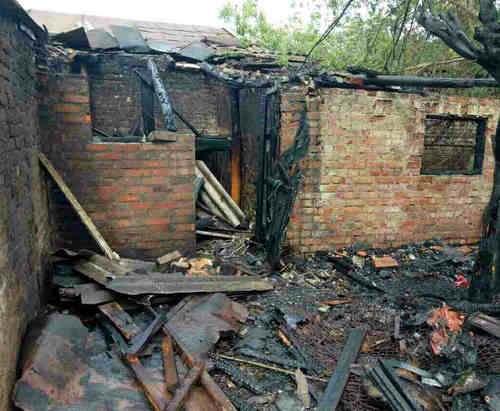 На Харьковщине едва не сгорели два жилых дома