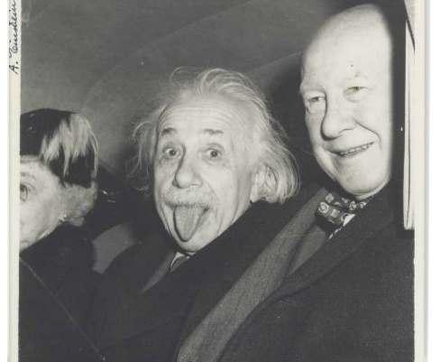 Самое известное фото Альберта Эйнштейна будет выставлена на продажу