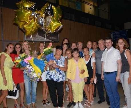 Синхронистки с триумфом вернулись в Харьков