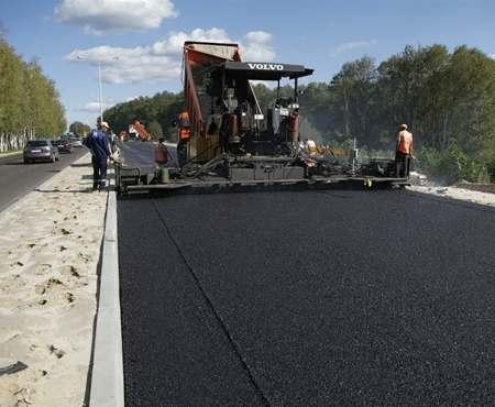 Под Харьковом ремонтируют дороги