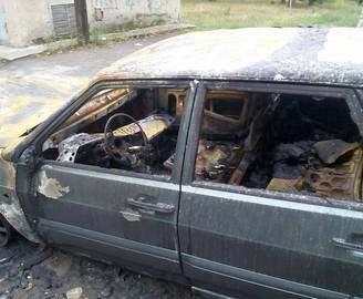 Харьковскому журналисту сожгли автомобиль: фото-факт