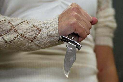 Аргументом в ссоре собутыльников оказался нож