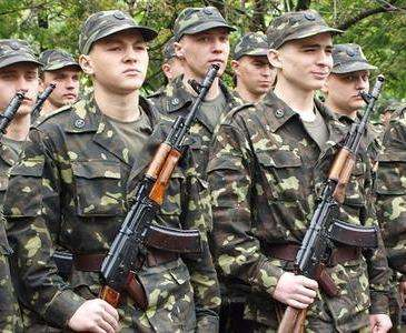 В августе на срочную службу призовут 500 харьковчан