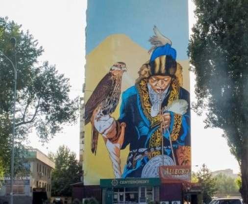 На тему мурали: харьковчанин разрисовал дом в Алматы