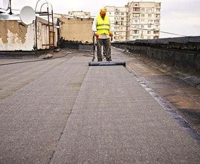 В Харькове продолжается ремонт крыш