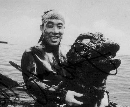 В Японии умер сыгравший Годзиллу актер Харуо Накадзима