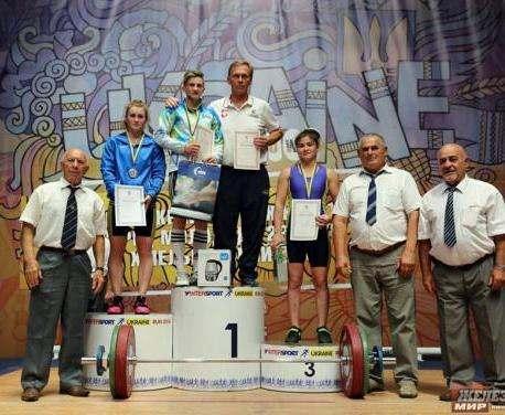 На чемпионате Украины харьковские тяжелоатлетки завоевали 4 медали