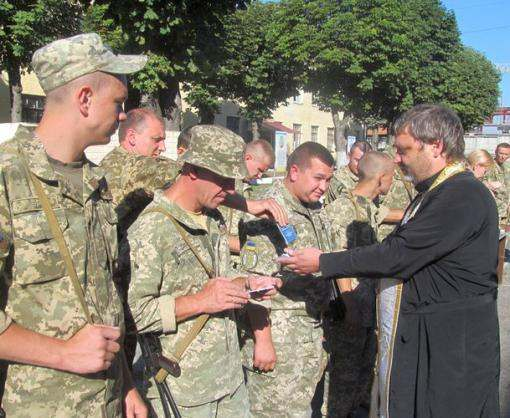 Харьковских бойцов отправили на фронт