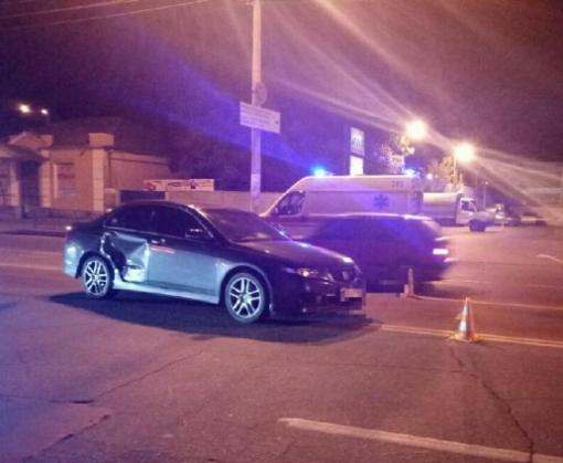 Тройное ДТП в Харькове: Honda врезалась в «скорую»