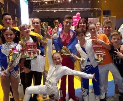 Харьковские спортсмены победили на Кубке мира по акробатическому рок-н-роллу