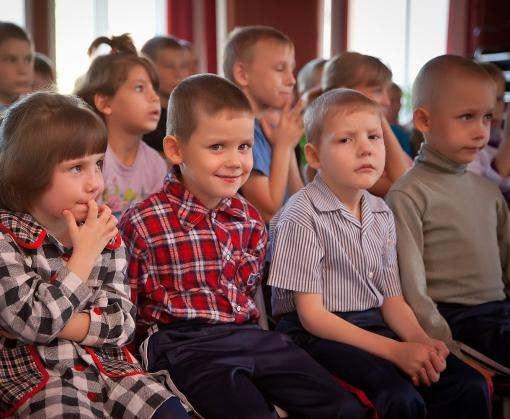 Сколько в Украине насчитывается детей-сирот