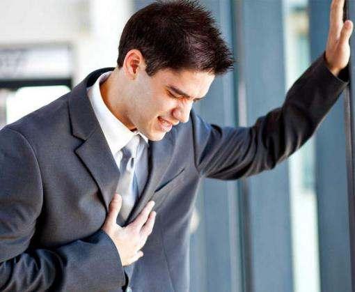 За какими симптомами может спрятаться инфаркт