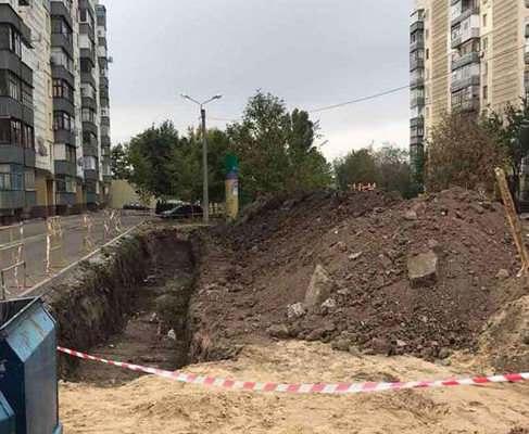 В Харькове погиб человек, упав в котлован