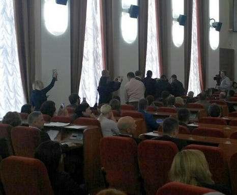 Зачем харьковские депутаты собирались на срочную сессию: подробности