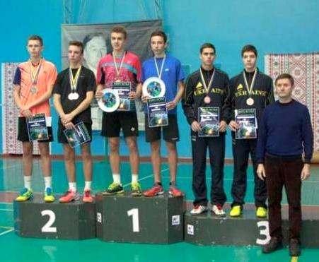 Юные харьковские бадминтонисты завоевали дюжину медалей всеукраинского турнира