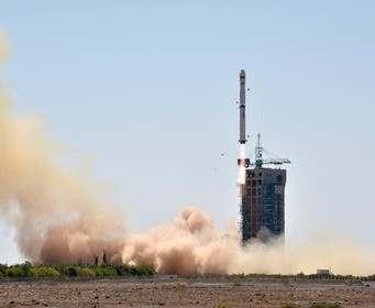 Китай вывел на орбиту первые спутники своей навигационной системы