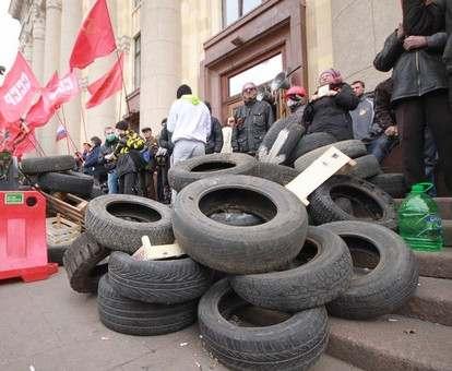 За захват Харьковской обладминистрации и разгром телекомпании суд отпустил лидера Антимайдана