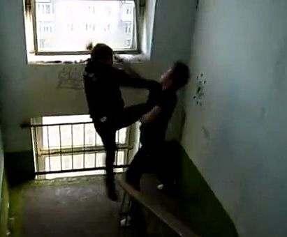 «Гоп-стоп» в Харькове: на Алексеевке грабитель напал на подростка