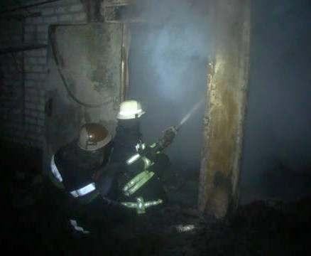 Пожар в Харькове: на Немышле сгорело три автомобиля