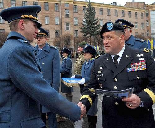В Харькове выпустили офицеров-летчиков