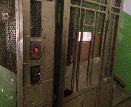 ЧП в Харькове: старушка упала в шахту лифта