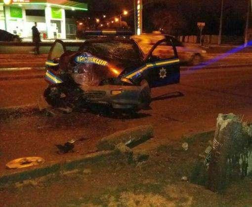 ДТП в Харькове: Chevrolet влетел в столб