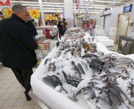 Как обрабатывают рыбу в магазинах подпорченую