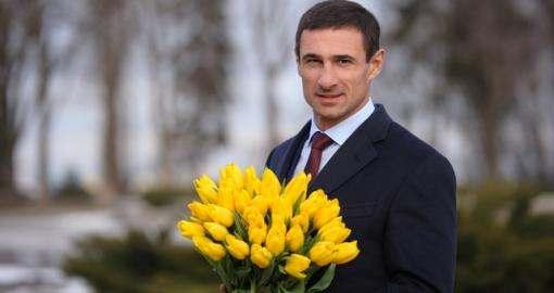 Любі жінки, з Восьмим березня!