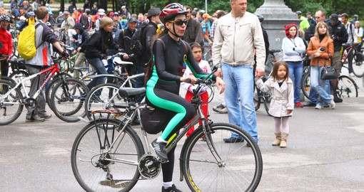 Энтузиасты обещают 30 дней не слезать с велосипеда