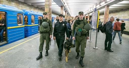 В харьковском метро стало больше полиции