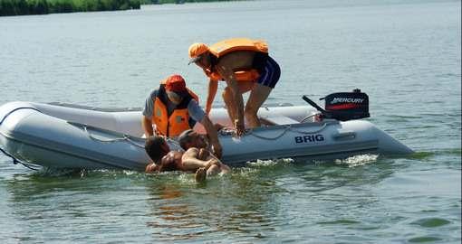 Заплывы студентов стали проблемой для харьковских спасателей