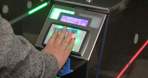 Харьковский метрополитен вынуждает пассажиров покупать карточки