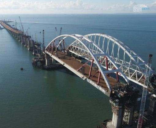 Крымский мост будут постоянно охранять полицейские