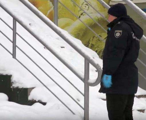 Взрыв возле харьковского супермаркета: пострадавшую оперируют (видео)