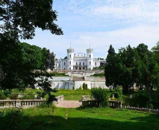 На Шаровский дворец выделят полтора миллиона